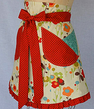 apron designs and kitchen apron styles swanky aprons vintage style aprons mom foodie